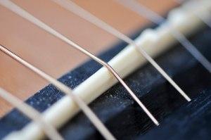 change acoustic guitar strings
