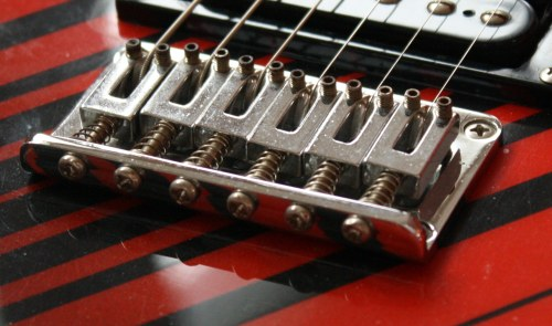 Electric Guitar Bridge Adjustment : how to adjust intonation guitar bridge tuning guide ~ Russianpoet.info Haus und Dekorationen